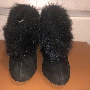 Shoes - Black faux fur ankle heel booties